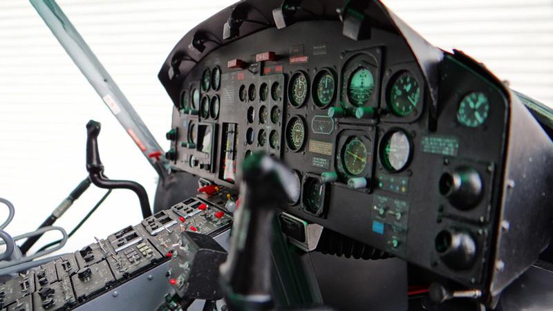 Bell212Cockpit配置4