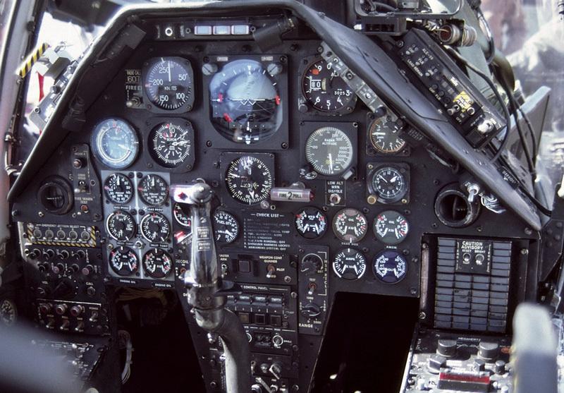 AH-1W-Cockpit.jpg