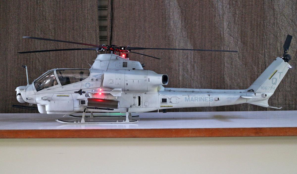 AH-1Z--exterior-light-1.jpg