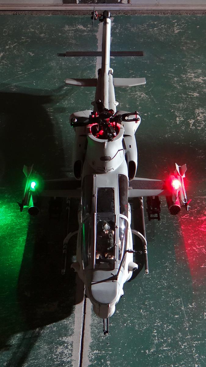 AH-1Z--exterior-light-18.jpg
