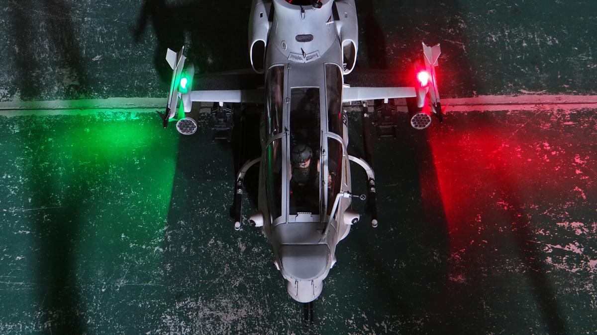 AH-1Z--exterior-light-19.jpg