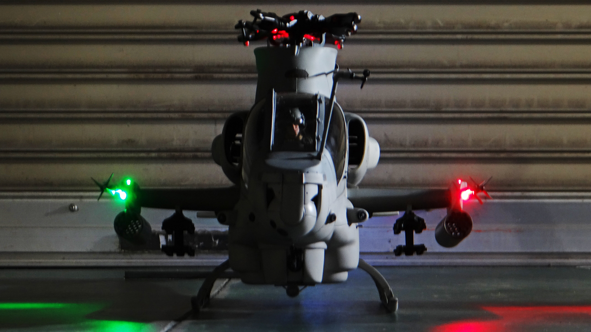 AH-1Z--exterior-light-23.jpg