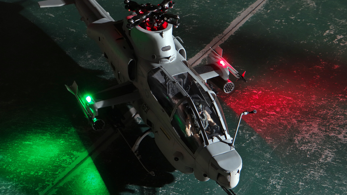 AH-1Z--exterior-light-24.jpg