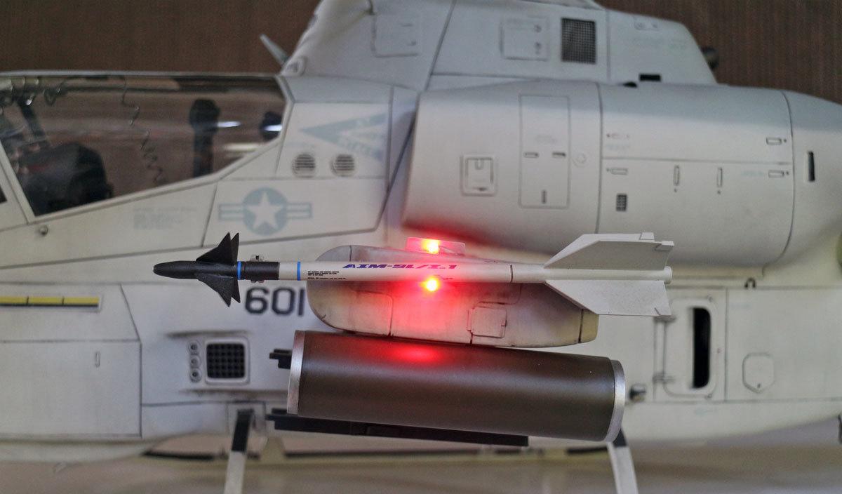 AH-1Z--exterior-light-5.jpg