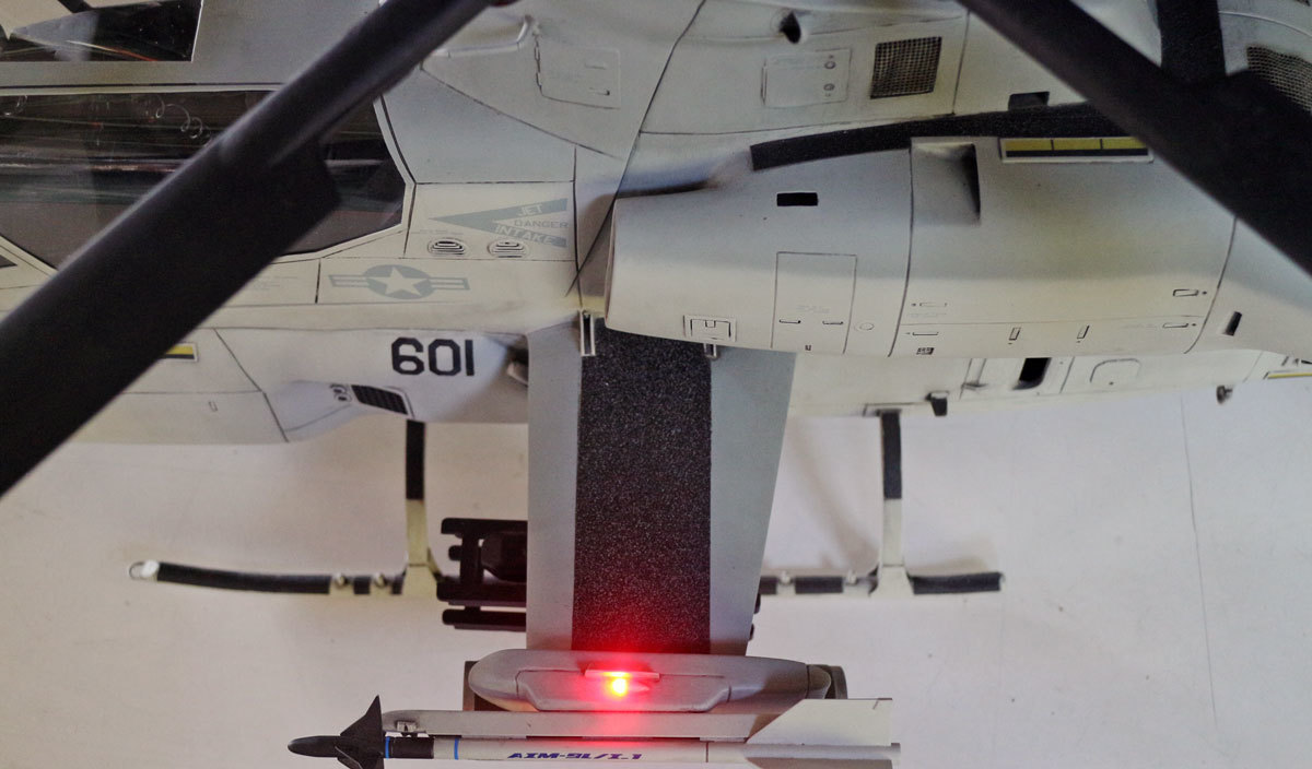 AH-1Z--exterior-light-6.jpg
