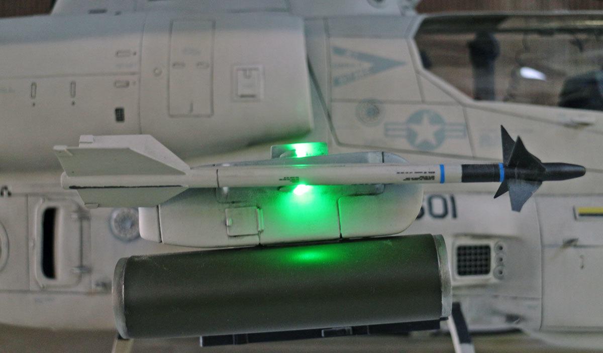AH-1Z--exterior-light-7.jpg