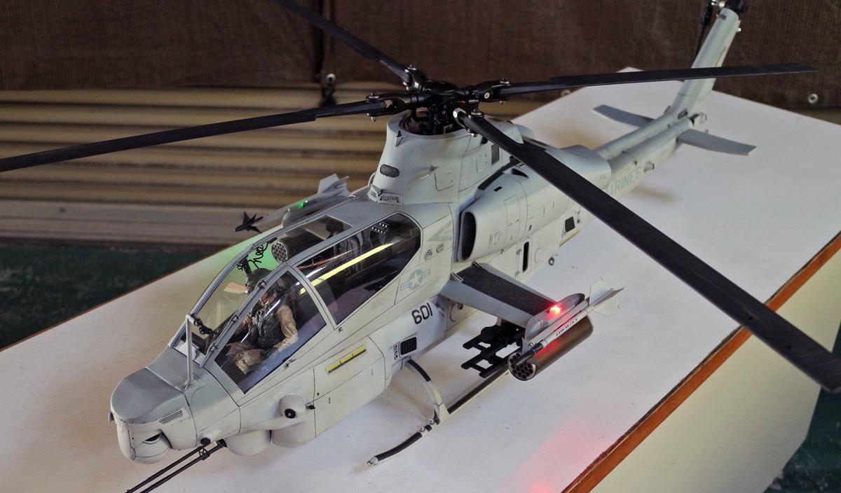 AH-1Z--exterior-light-8.jpg