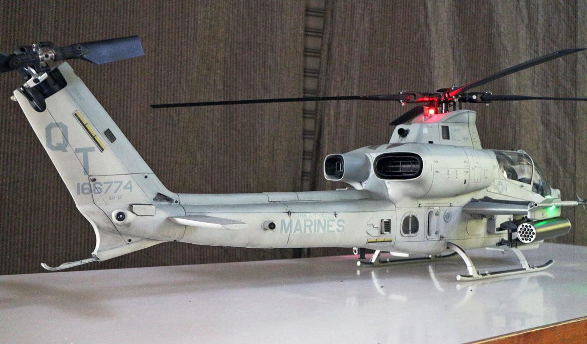 AH-1Z--exterior-light-9.jpg