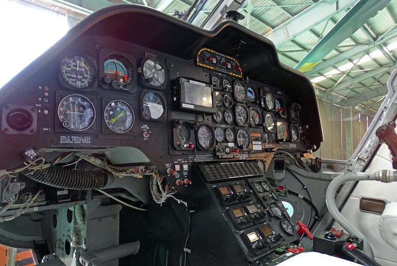 BK117C1-Cockpit-2.jpg