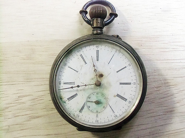 1-ジャンクの懐中時計