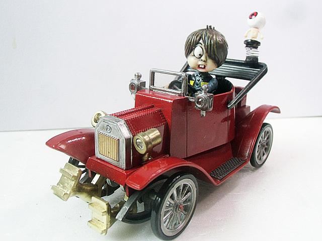 妖怪自動車完成です