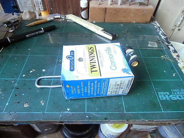 紅茶の箱で小道具を
