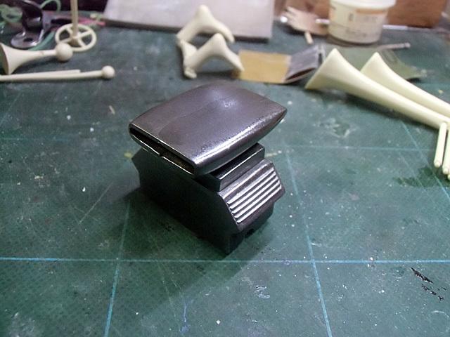 黒鉄色で塗りました