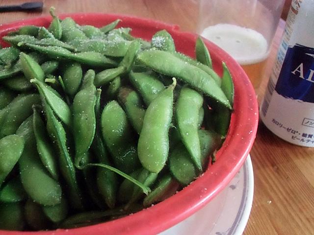 虫入り茶豆