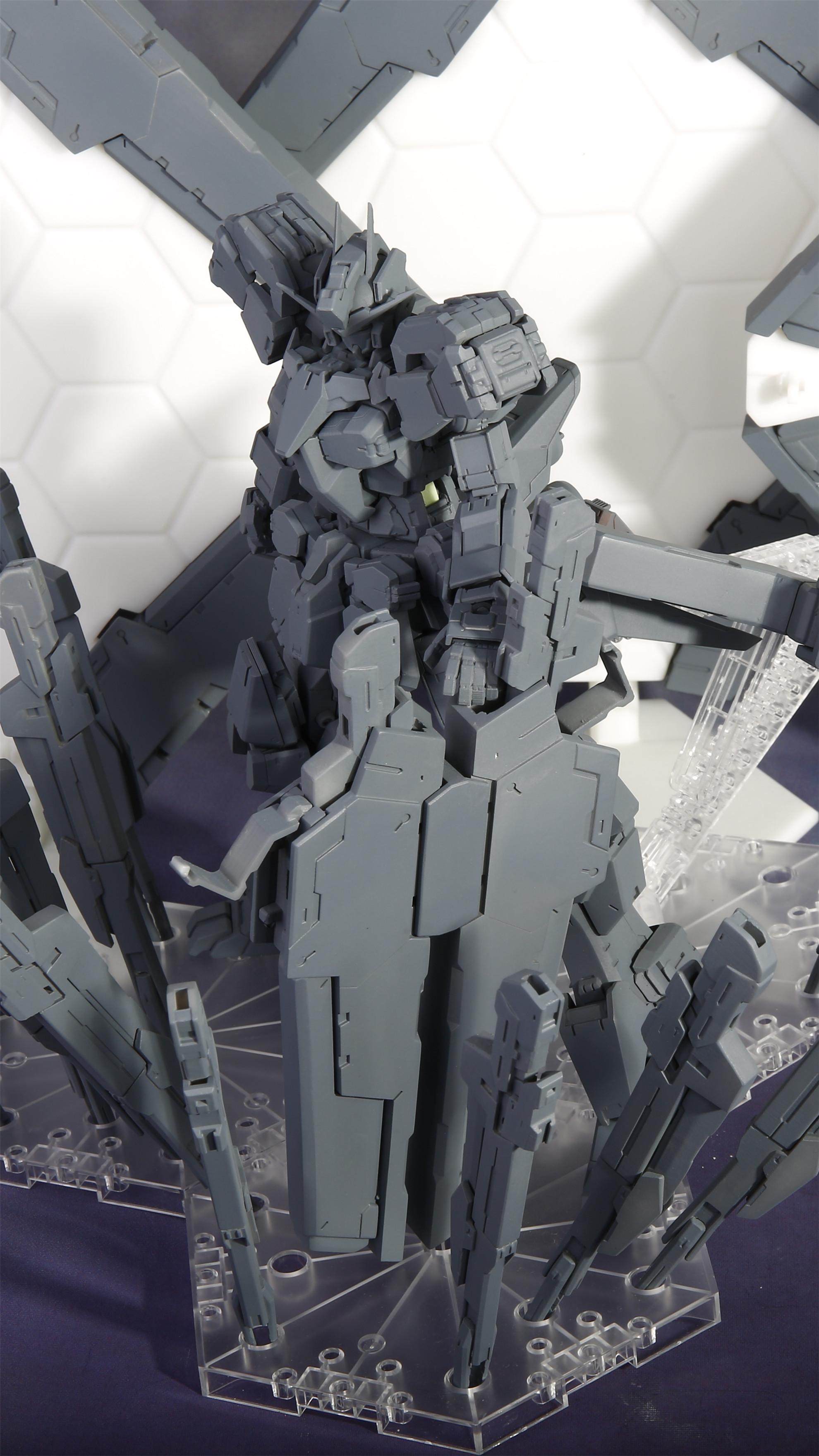G652_Gundam_Zabanya_005.jpg