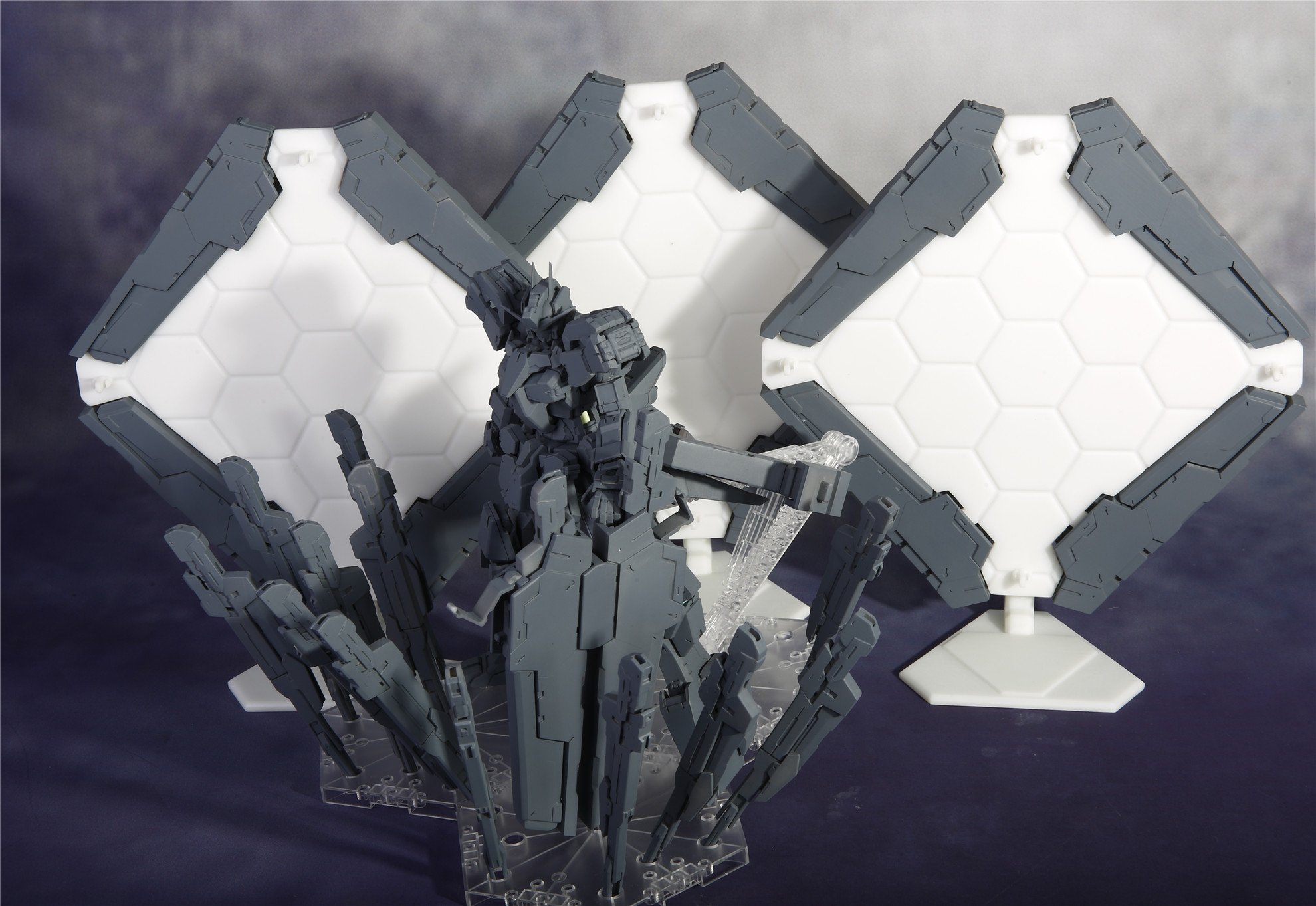 G652_Gundam_Zabanya_008.jpg