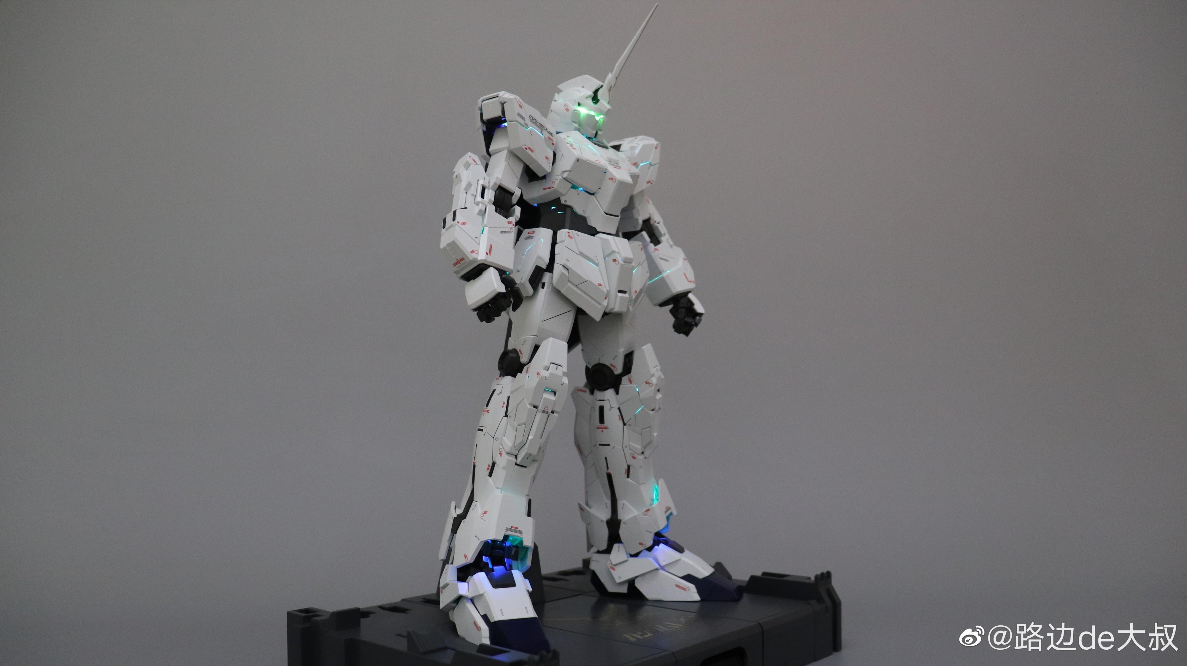 S436_PG_unicorn_led_K_001.jpg