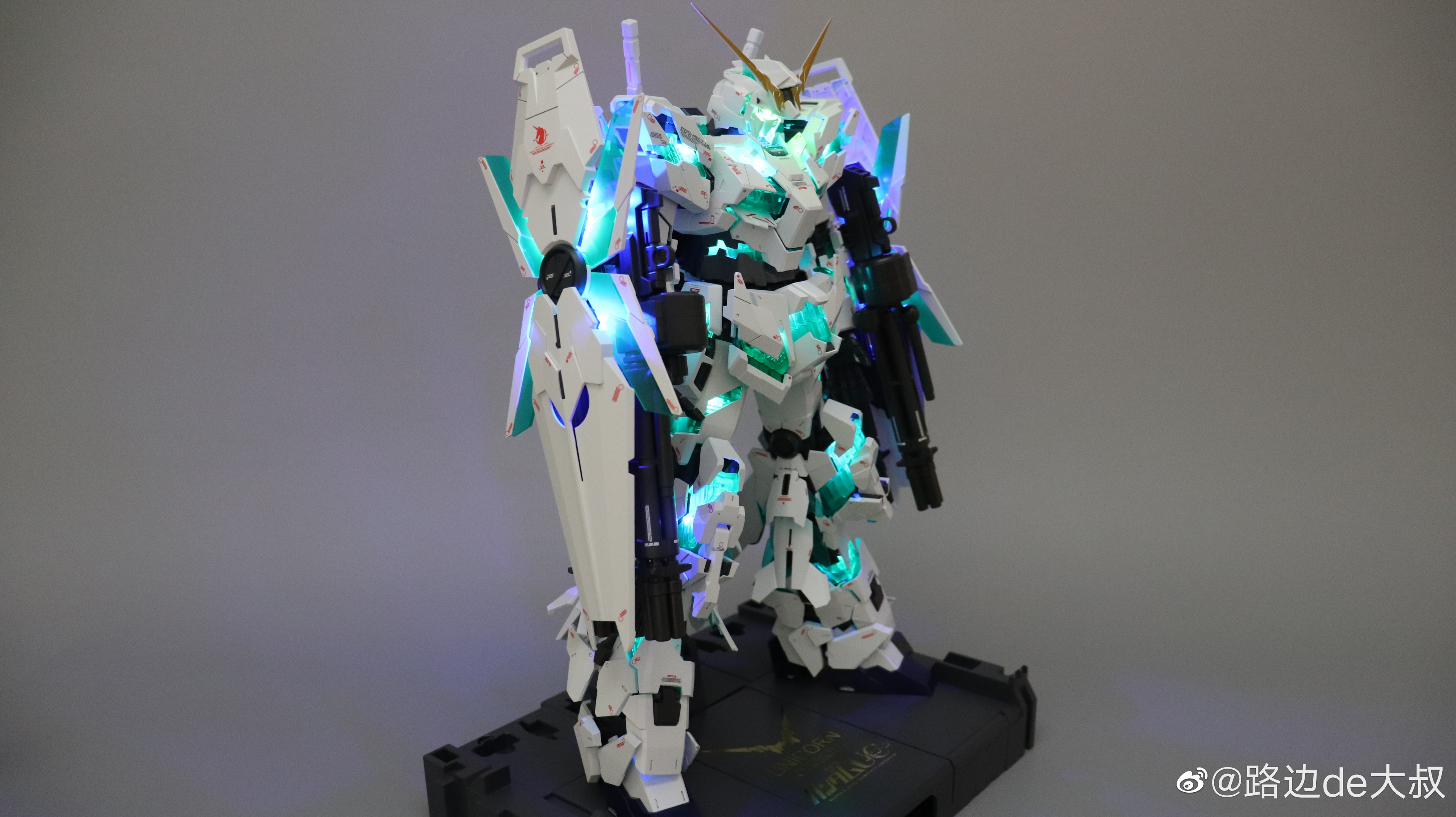 S436_PG_unicorn_led_K_015.jpg