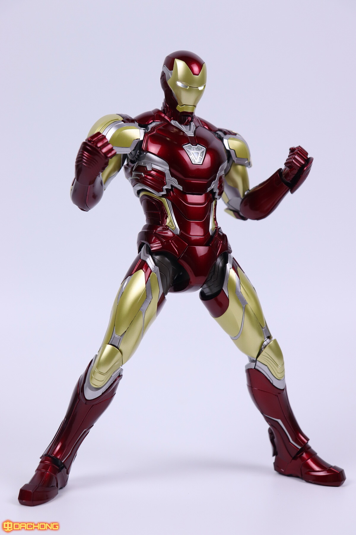 S498_2_e_model_ironman_mk85_dx_097.jpg