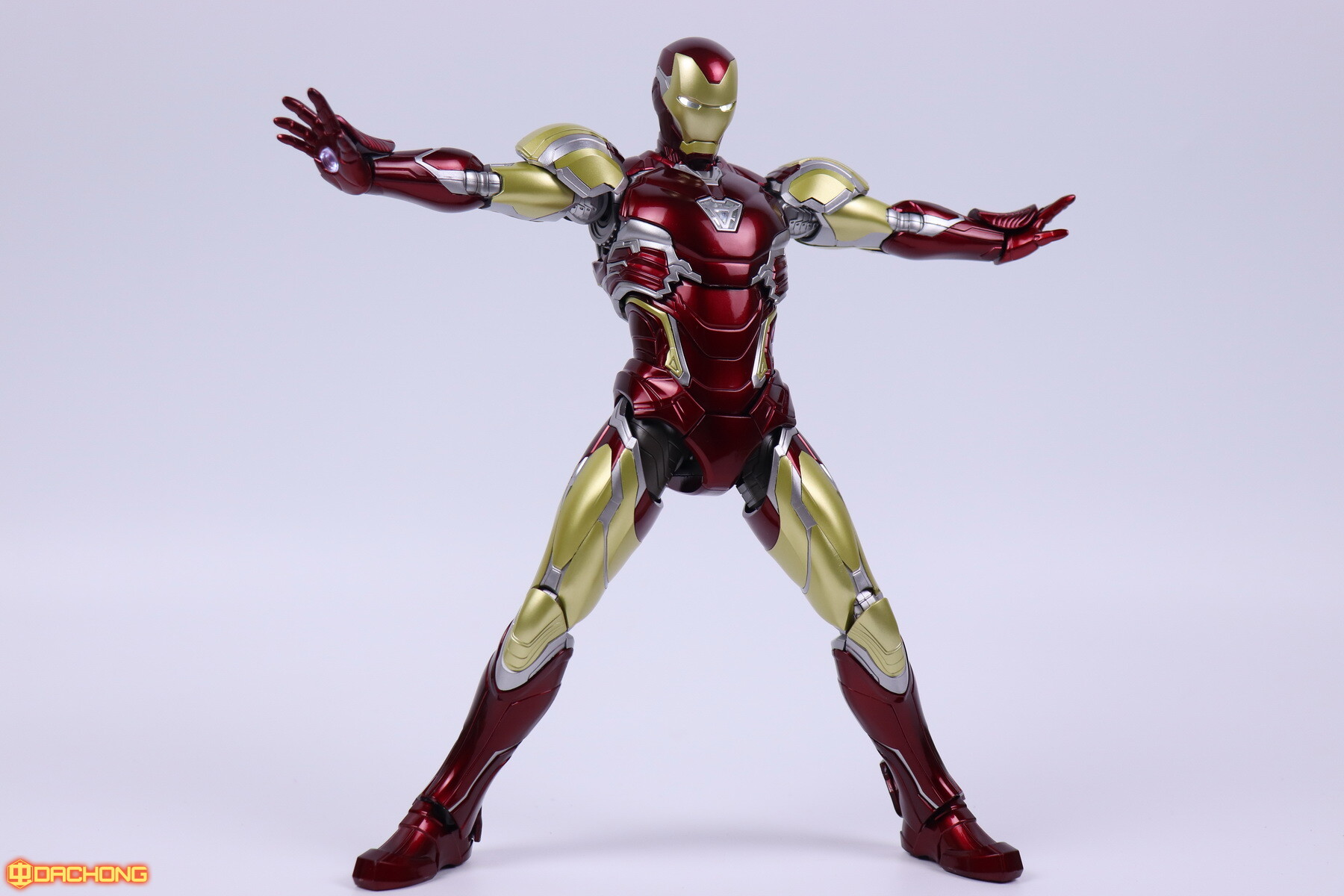 S498_2_e_model_ironman_mk85_dx_103.jpg