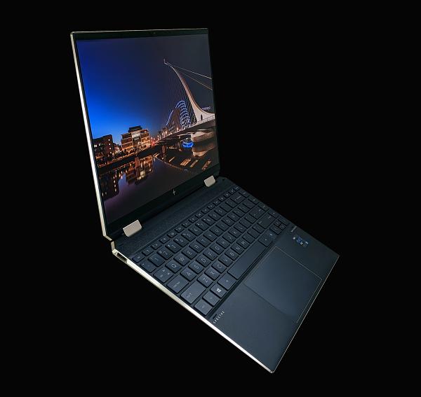 HP Spectre x360 14-ea0000_デザイン_20201126_202647255