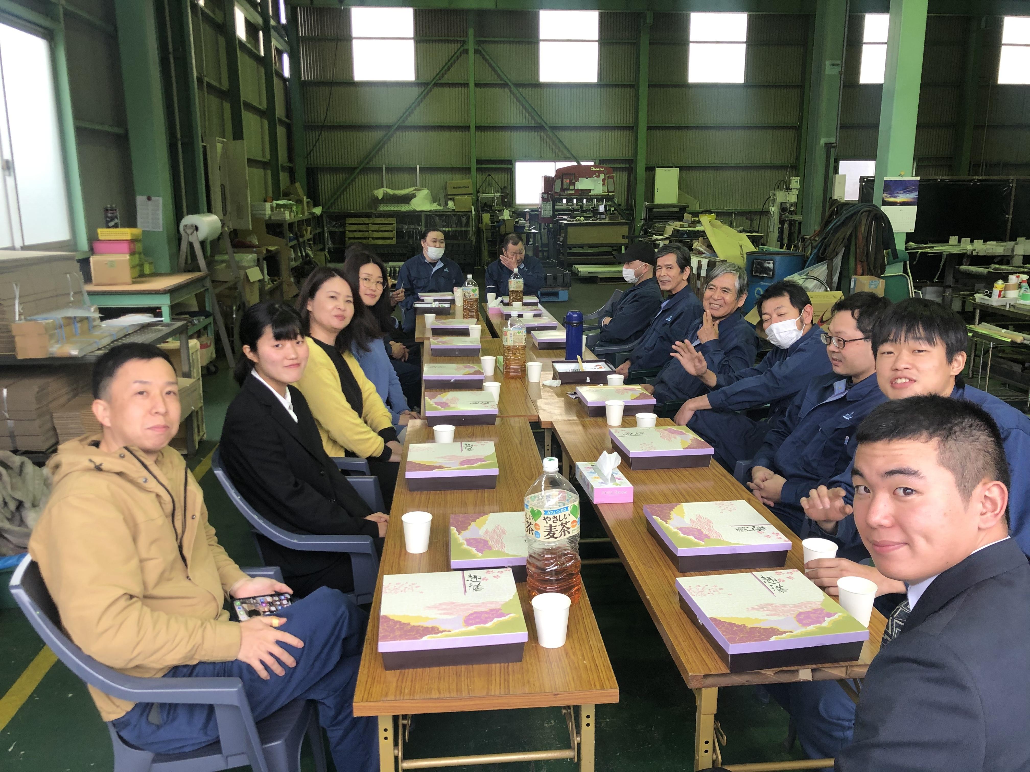 入社式_昼食
