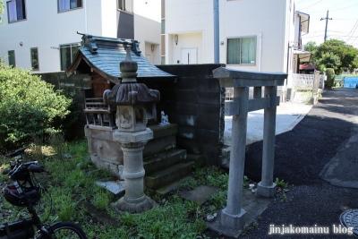 稲荷神社 川崎市多摩区菅稲田堤1