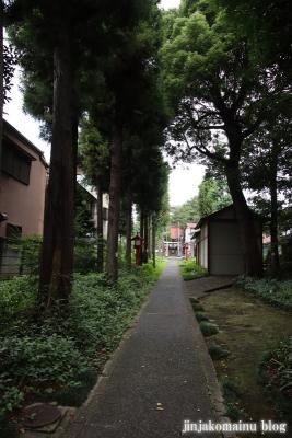 八幡神社  調布市緑ケ丘2
