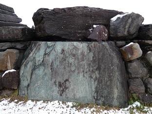 10-5八幡山古墳石室 積み石