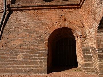 野木町煉瓦窯5入口