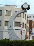 東武加須駅 三日月形の時計台