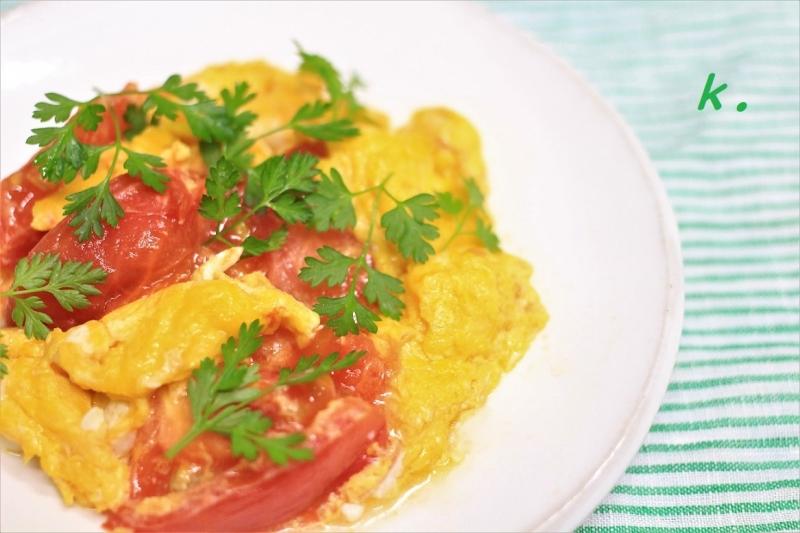 トマトと卵チャービル