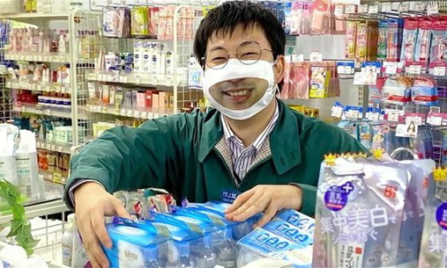 日本の量販店が採用しているスマイルマスクに[韓国ネット民]本当にあの国は狂ってるな1