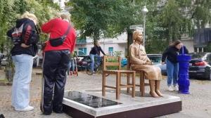 [韓国の反応]加藤官房長官、ベルリンの少女像「極めて残念」「撤去を働きかける」[韓国の反応]慰安婦像を韓国のマスコットにでもするつもりなのか