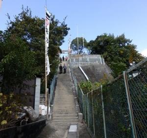 神社の99階段