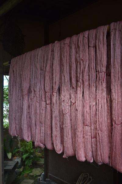紫檀染め絹糸