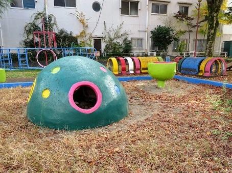 いい遊具たちが泣いている 「金岡公園」 - 日本全国冒険紀行