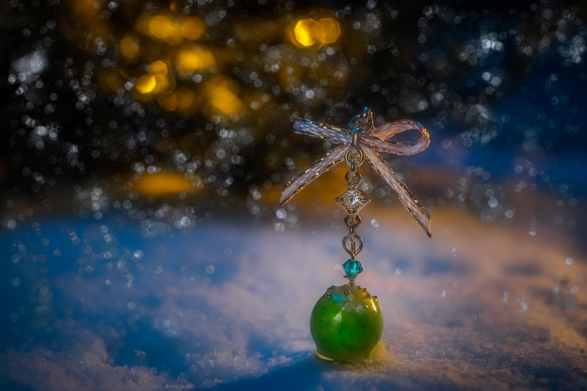 クリスマス2020イメージ_雪_グロー