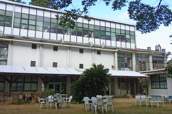 小田原市立図書館の庭