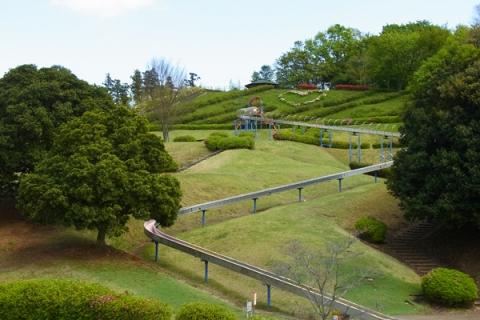 中井中央公園のローラー滑り台は全長101.7m