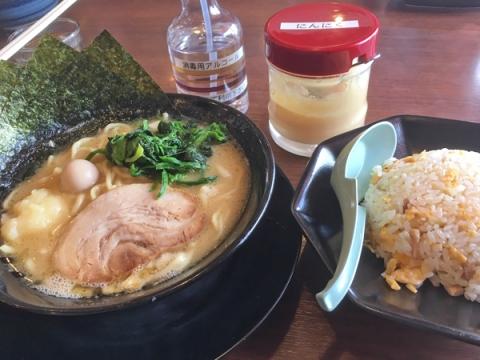 大井商店マックスの醤油ラーメンチャーハンセット