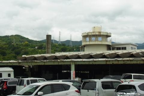 小田原漁港の駐車場