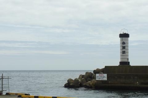 小田原漁港の提灯灯台