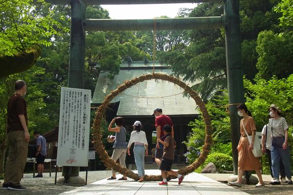 二宮神社の茅の輪くぐり