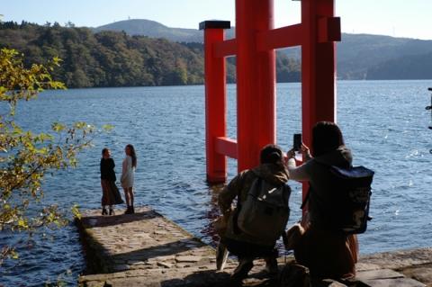 箱根神社の水中鳥居
