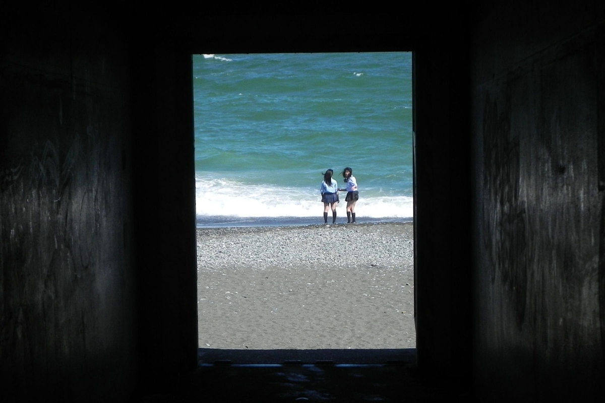 小田原スナップ トンネルから見た海