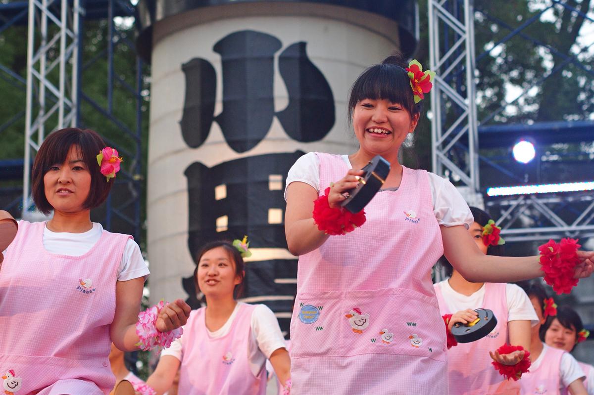 小田原ちょうちん踊りのステージ演舞
