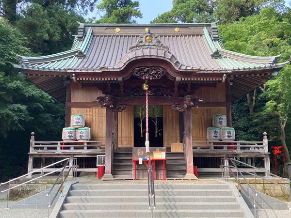 秦野白笹稲荷神社の拝殿