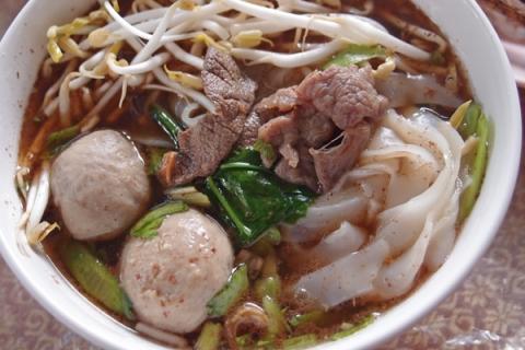 北タイ料理ナムトック