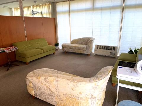 緑ヶ丘クリニック待合室
